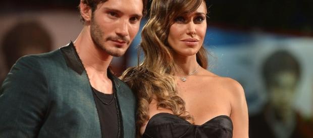 Belen Rodriguez e Stefano di Martino: ricompare la fede sull ... - makemefeed.com