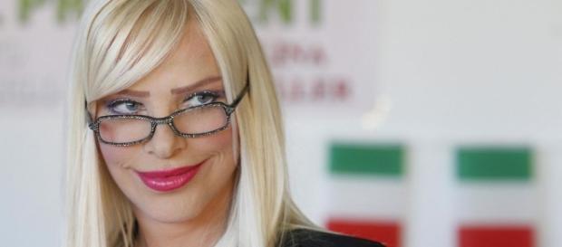 Ilona Staller ospite a Domenica Live con il figlio Ludwig