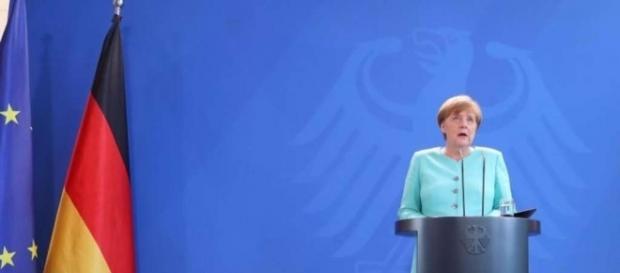 Merkel: EU braucht keine neuen Verträge | Politik - dasgelbeblatt.de