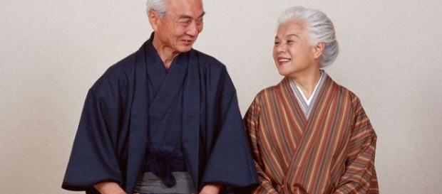 Pareja de la tercera edad japoneses