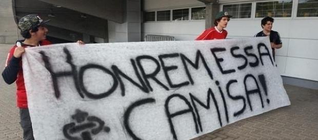 Torcida do Inter têm se revoltado com a situação do time em 2016