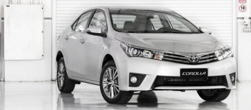 Toyota Corolla 2017 é vendido em cinco versões