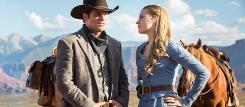 Westworld - Evan Rachel Wood e James Marsden in una scena della serie