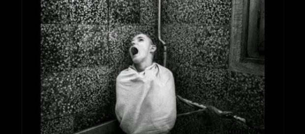 """Cruel procedimiento para """"curar"""" a los enfermos mentales"""