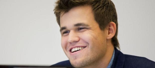 Magnus Carlsen gleich aus - jetzt ist wieder alles offen bei der Schach-WM