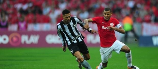 Mais dois jogadores são cogitados para reforçar o Corinthians