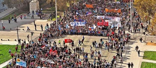 Noticias uruguayas: Santiago de Chile: 100 mil personas en la ... - blogspot.com