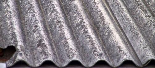 L'amianto è presente ovunque in edilizia. La rimozione e la bonifica non decollano.
