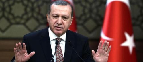 "Ma Erdogan avverte l'Europa: ""Potrei mandarvi tutti i profughi ... - lastampa.it"
