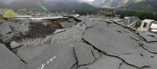 Terremoto de Ecuador deja cientos de muertos, en Japón ninguno