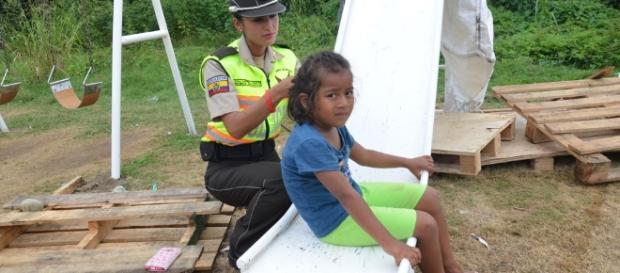 Cerca de 8 mil personas en albergues no oficiales de Ecuador