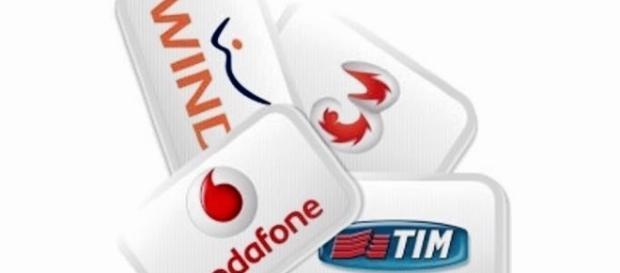 Offerte telefoniche di Natale: promozioni di Wind, Vodafone, Tim e Tre