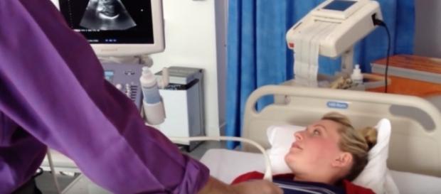 Procedimento só pode ser realizado em ambiente hospitalar, a partir da 36ª semana