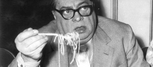 Aldo Fabrizi in una celebre foto degli anni sessanta