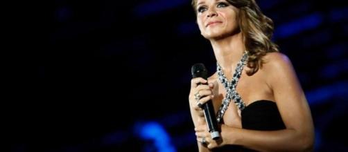Alessandra Amoroso - Amore Puro - Arena di Verona (Foto 3/40 ... - televisionando.it