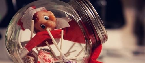 Elf on the Shelf - time to bring the little fellow out again! Photo: Blasting News Library - sheknows.com