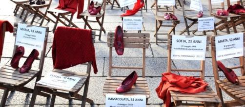 Giornata contro la violenza, oggi le donne in sciopero - Bologna ... - repubblica.it