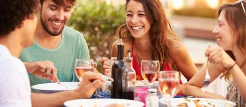 Um restaurante, uma balada, um barzinho, um filminho... o que seu signo prefere no fim de semana?
