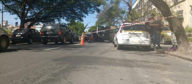 Avenida Ipiranga parcialmente bloqueada