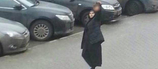 Babá decapitou criança e saiu com a cabeça pelas ruas fazendo ameaças