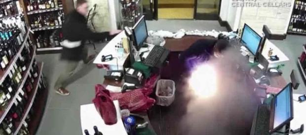 Cigarro eletrônico explode e deixa homem gravemente ferido