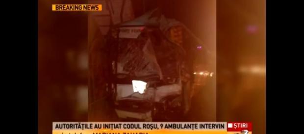 Două autobuze s-au ciocnit la Pitești