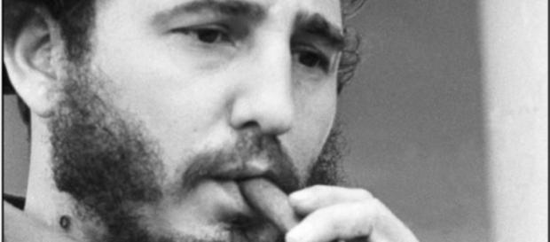 Fidél Castro el comandante de los puros habanos