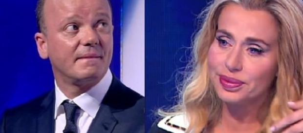 Gigi D'Alessio ha attaccato Valeria Marini sul debito di 200.000 euro
