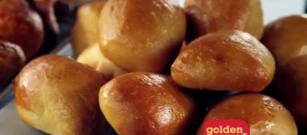 Golden Corral rolls - Photo: Blasting News Library - bronxcorralgroup.com