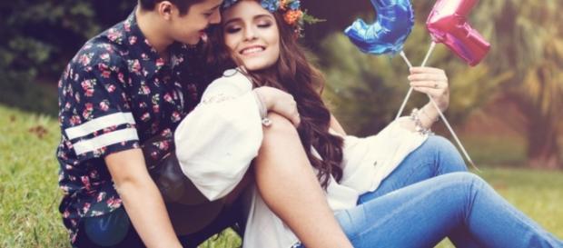 João Guilherme garante que é mais romântico que a namorada