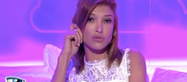 Mélanie (#SS10) : Bipolarité, Addiction et mythomanie... Ses camarades et Ayem balancent !