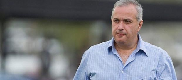 Roberto de Andrade vive situação difícil dentro do Corinthians - com.br