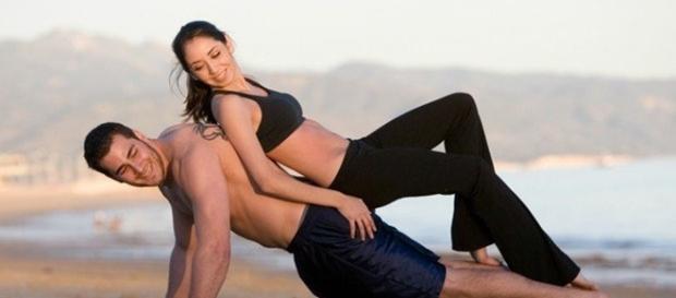Ter relações sexuais regularmente promete eliminar muitas calorias.