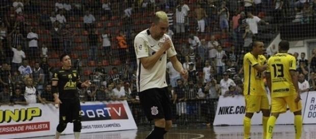 Timão deu um bico na maldição e decidirá a Liga Nacional pela primeira vez