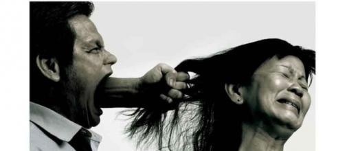Violenza domestica   Comunicazione Sociale - wordpress.com
