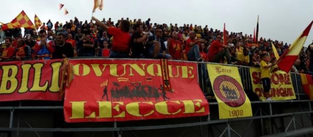 I tifosi del Lecce nella trasferta di Melfi.