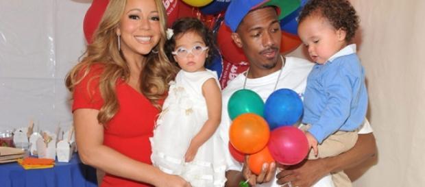 Mariah Carey & Nick Cannon - Photo: Blasting News Library - hollywoodlife.com