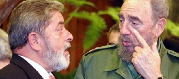 O ex-presidente Lula com Fidel Castro (Foto: Reprodução)
