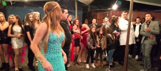 Uma festa de casamento da etnia cigana em Portugal