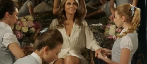 'The Royals' season 3 spoilers - Dec 4 premiere! (image via YouTube E! Entertainment)