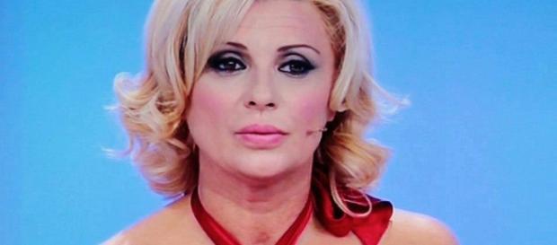 Tina Cipollari è grata a Maria De Filippi - makemefeed.com