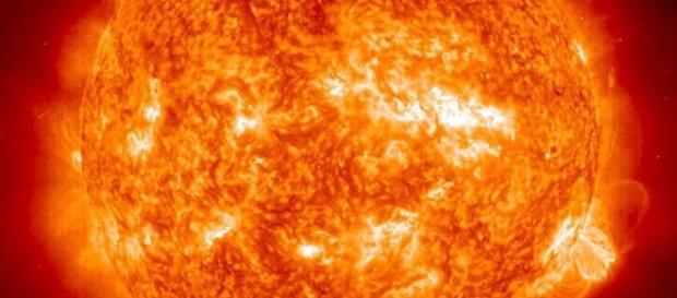 El Sol es un inmenso reactor nuclear que consume su combustible de hidrógeno