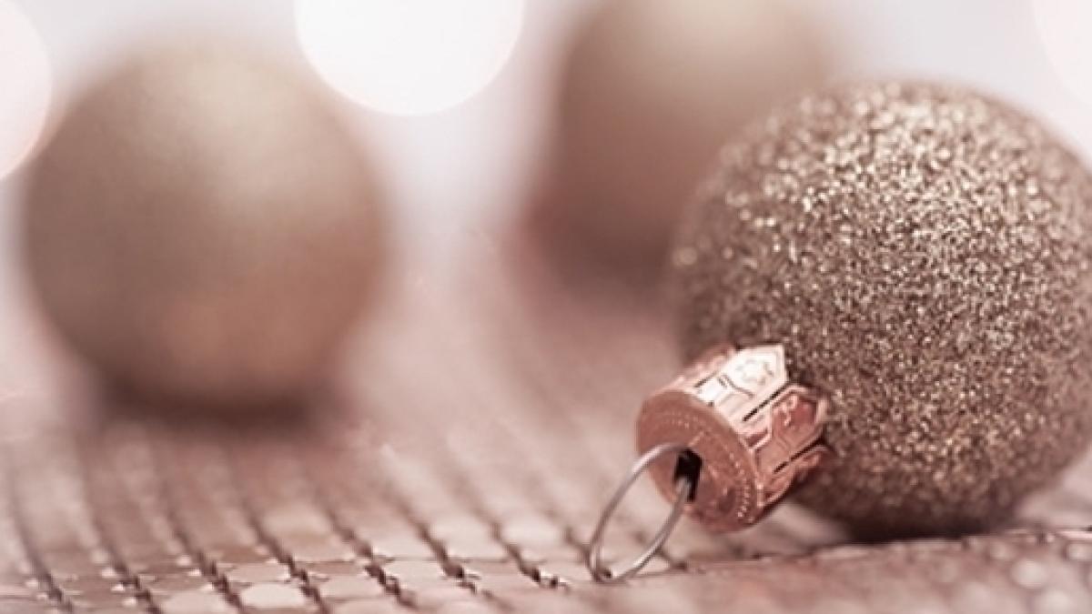 Decorazioni Albero Di Natale Blu : Addobbi natalizi tendenze colori e decorazioni per l albero di