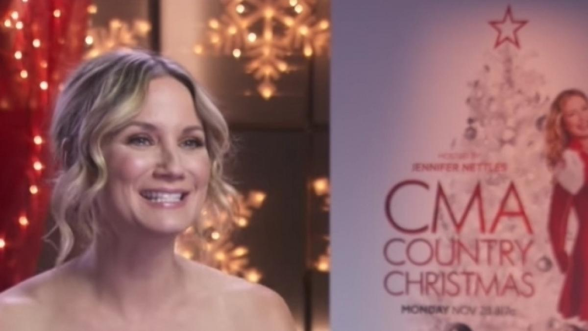 CMA Country Christmas 2016 live stream online, TV time, channel ...