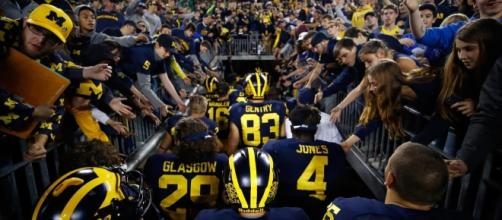 AP pollsters dissed Michigan after Ohio State loss, wil CFP?- landof10.com