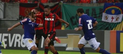 Corinthians tem interesse em contratar um meia e um atacante