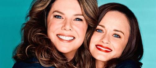 Gilmore Girls - Il poster ufficiale con Lauren Graham e Alexis Bledel