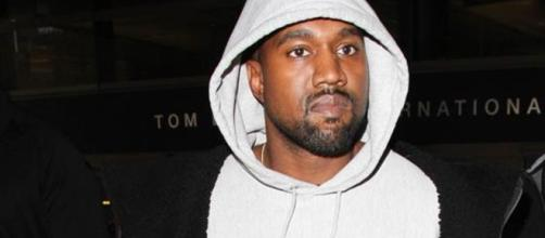 Kanye West still hospitalized - Photo: Blasting News Library - nydailynews.com
