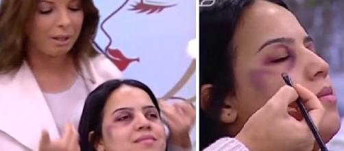 Nas imagens a mulher aparece com hematomas no rosto, enquanto a apresentadora ensina a tampar as marcas da agressão.