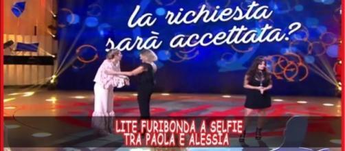 Paola Caruso e Alessia Macari litigano nel programma di Simona Ventura: ecco il vero motivo